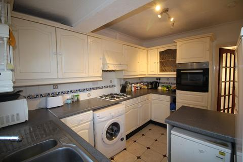 4 bedroom terraced house to rent - Lound Road, Norwich