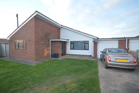 3 bedroom detached bungalow for sale - Breydon Way, Caister-on-sea
