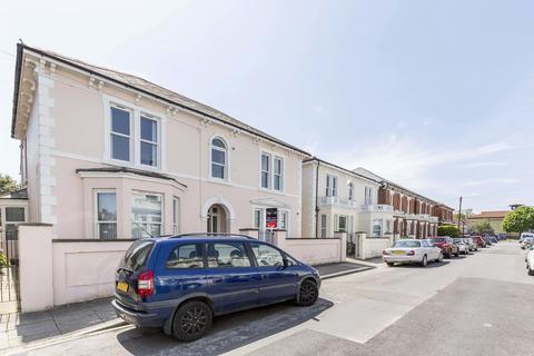 2 bedroom apartment to rent - Cavendish Road, Southsea