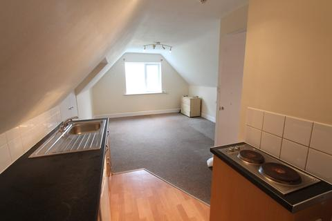 Studio to rent - Churchill Road, Bournemouth,