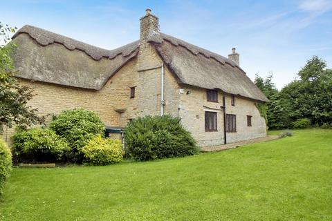 4 bedroom cottage to rent - Vicarage Lane , Podington , Northamptonshire, NN297HR