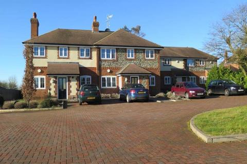 2 bedroom flat to rent - Paddock Gate, Winkfield,