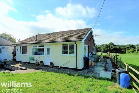 3 bedroom detached bungalow for sale - Pentre Celyn , Ruthin