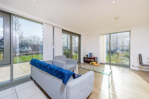 2 bedroom duplex for sale - Bootmakers Court, 132 Ben Jonson Road, Mile End, London, E1