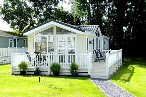 2 bedroom static caravan for sale - Holywell Road, St Asaph