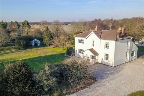 5 bedroom detached house for sale - Wivenhoe Road, Alresford