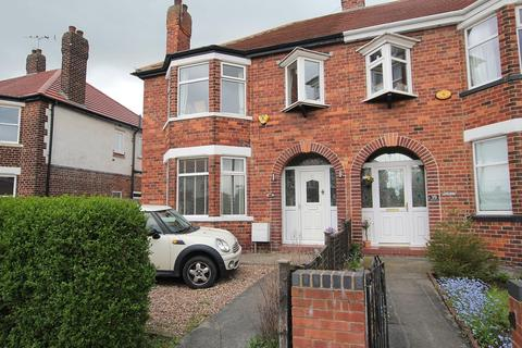 4 bedroom semi-detached house to rent - Windsor Avenue, Anlaby, Hull, East Riding of Yorkshire, HU10