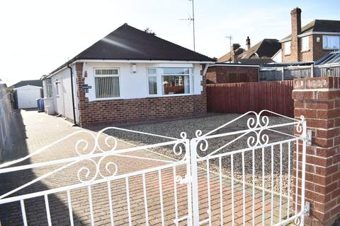 3 bedroom detached bungalow for sale - Rosehill Road, Rhyl