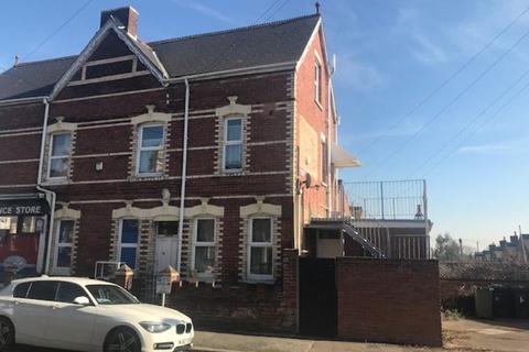 2 bedroom maisonette to rent - Manston Road
