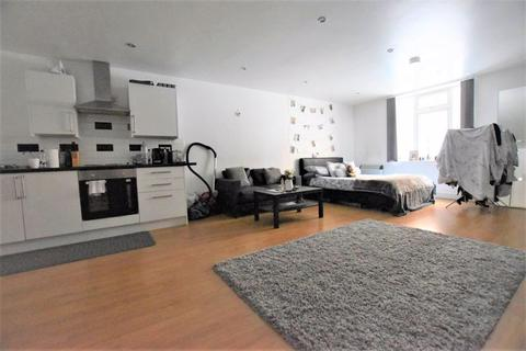 Studio to rent - York Road, Leicester, LE1