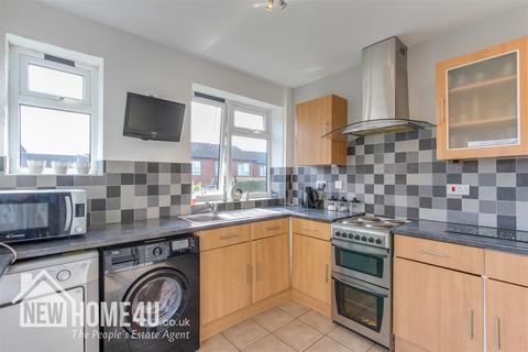 4 bedroom house for sale - Nant Mawr Crescent, Buckley
