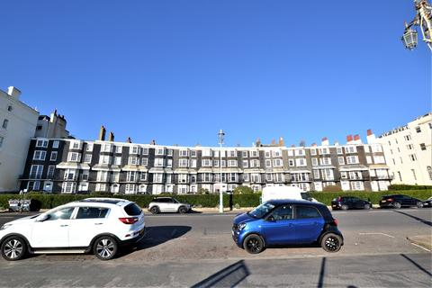 2 bedroom apartment to rent - Royal Crescent, Brighton, BN2