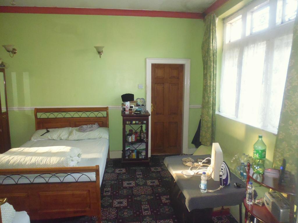 Downstaurs bedroom