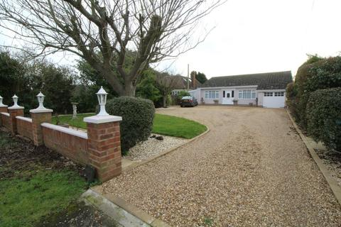 3 bedroom detached bungalow for sale - Point Clear Road, St. Osyth, Clacton-On-Sea, Essex, CO16
