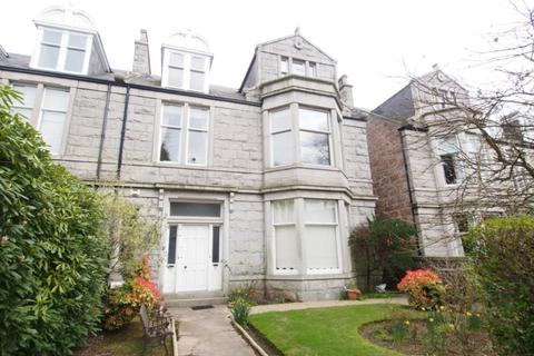 4 bedroom flat to rent - Forest Road, Aberdeen, AB15
