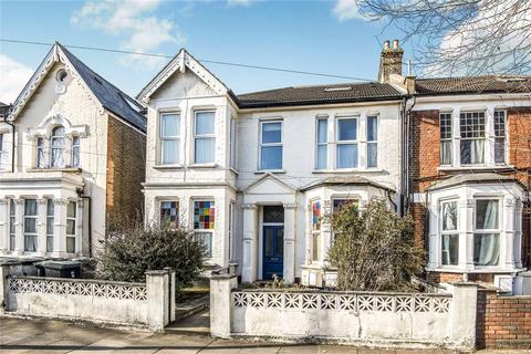 2 bedroom flat for sale - Belmont Road, London, N15