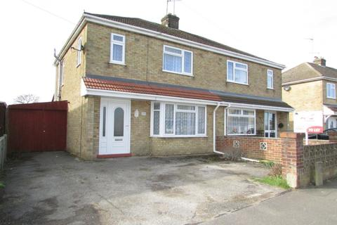 3 bedroom semi-detached house to rent - Oakdale Avenue, Stanground, PE2