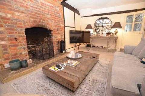 3 bedroom cottage to rent - High Street, Old Amersham HP7