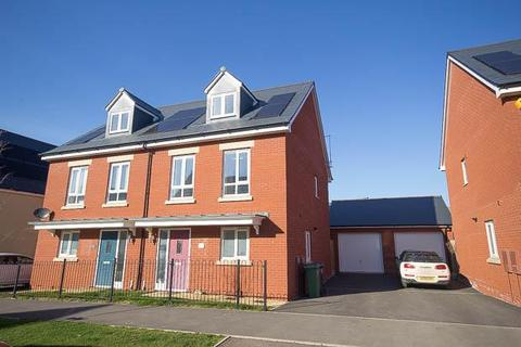 3 bedroom semi-detached house to rent - Vale Road, Bishops Cleeve, Cheltenham, GL52 8FJ