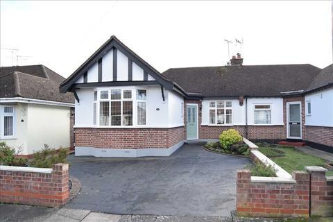 2 bedroom bungalow for sale - Burnside Crescent, Chelmsford