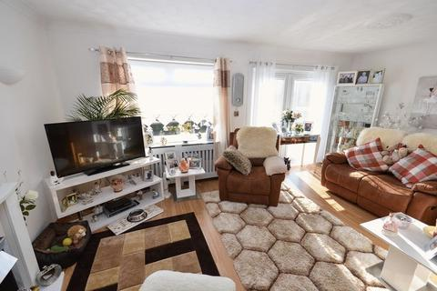 2 bedroom detached bungalow for sale - Manse Road, Kilsyth