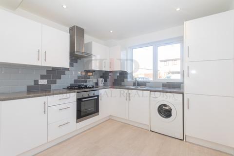 3 bedroom terraced house to rent - Star Lane, London E16