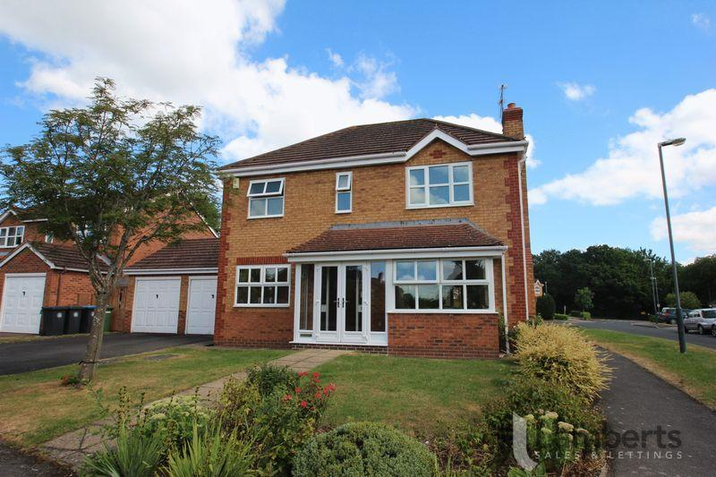 4 Bedrooms Detached House for sale in Johns Close, Studley