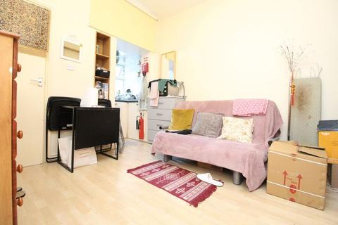 Apartment to rent - Sydney Road, Turnpike Lane, N8