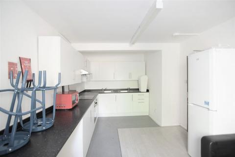 6 bedroom terraced house to rent - New England Road, Brighton