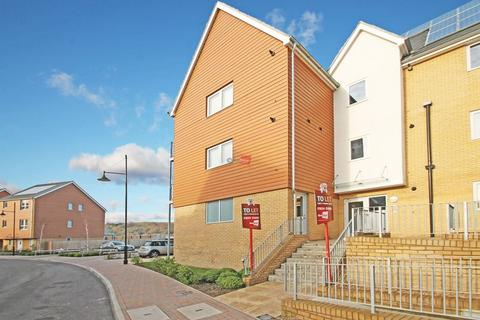 1 bedroom apartment to rent - The Causeway, St Marys Island, Chatham