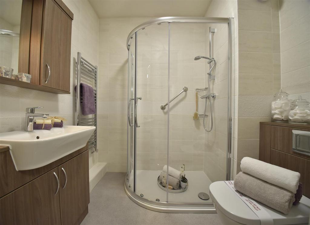 Bathroom bed 2 (1).jpg