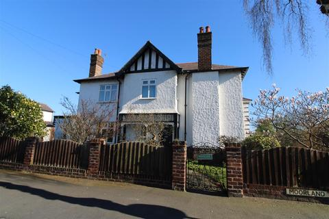 4 bedroom semi-detached house for sale - Moorland Avenue, Crosby, Liverpool
