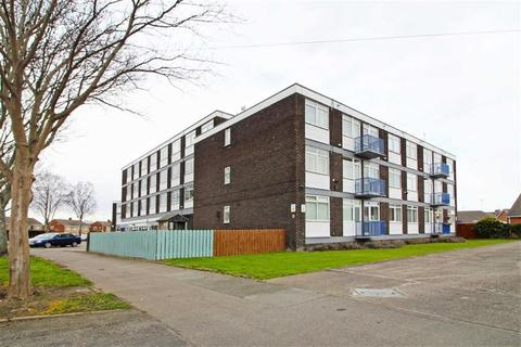 2 bedroom flat for sale - Beatty House, Compass Road, Hull, East Yorkshire