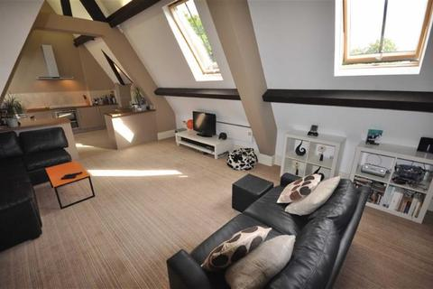 2 bedroom penthouse to rent - Chaseley Road, Salford