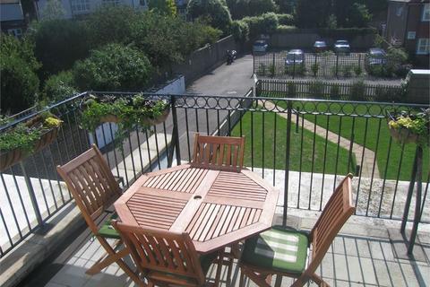 2 bedroom flat to rent - Davigdor Road, Hove, BN3