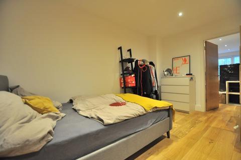 1 bedroom flat - Bethnal Green Road, London E1