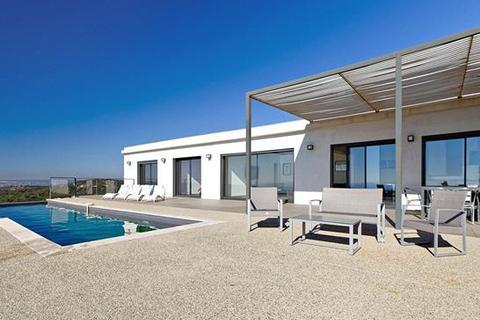4 bedroom villa  - Villeneuve Les Avignon, Gard, Languedoc-Roussillon