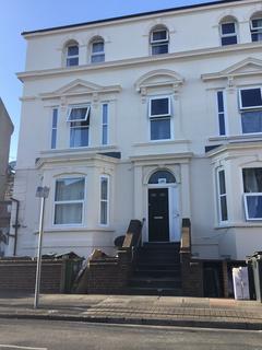 Studio to rent - Pevensey Road BN22