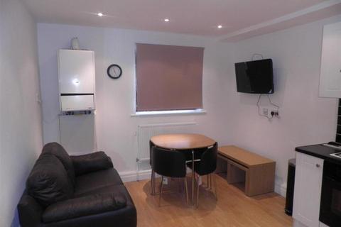 3 bedroom apartment to rent - Belle Vue Road, Leeds, West Yorkshire, LS3