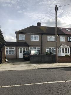 3 bedroom house for sale - Betterton Road, Rainham, Essex RM13