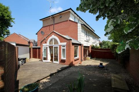 3 bedroom house to rent - Landor Gardens , Cheltenham, Glos