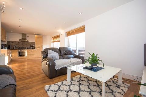 2 bedroom flat to rent - Wandsworth Road, Battersea