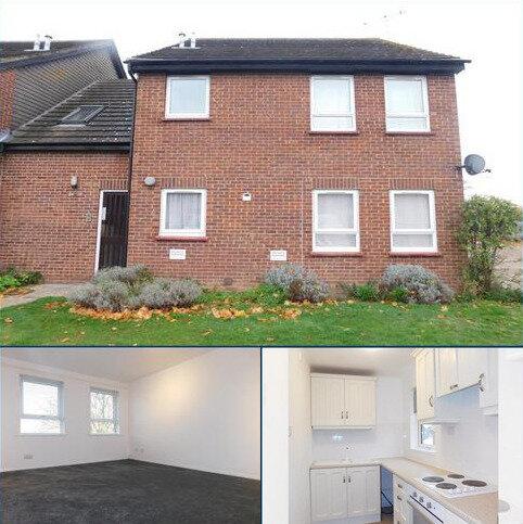 Studio to rent - Wagtail Drive, Heybridge, Essex