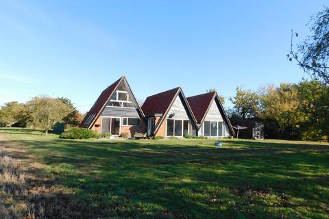 3 bedroom detached house to rent - Moors Farm Chase, Little Totham, Essex