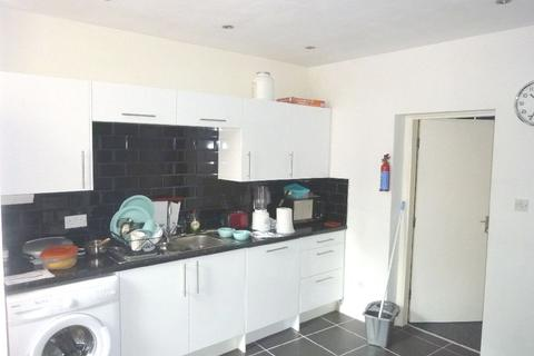 3 bedroom apartment to rent - Student Property - Townhead Street, Sheffield S1
