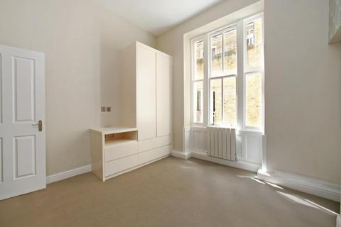 Studio to rent - Nottingham Place, Marylebone, W1U