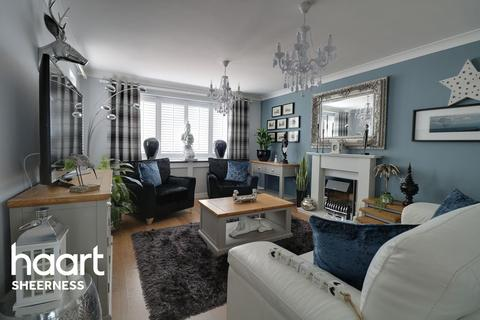 4 bedroom detached house for sale - Southsea Ave