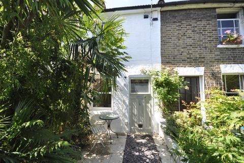 2 bedroom cottage for sale - Thorne Passage, Barnes, SW13
