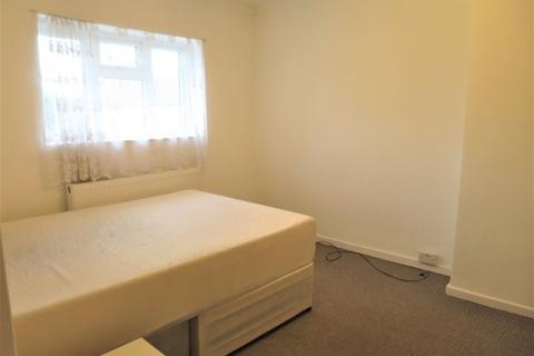 4 bedroom house share to rent - Stainton Road, London