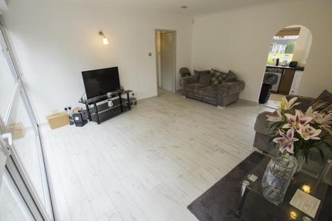 2 bedroom flat to rent - Elmwood Court, B5